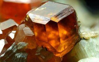 Описание гроссуляра: значение и свойства, совместимость камня-крыжовника