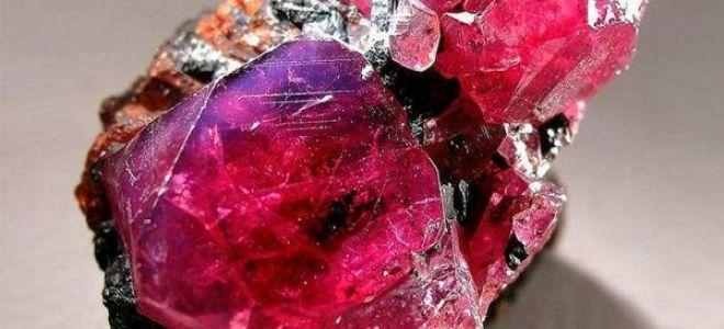 Яхонт: это какой камень и что скрыто за названием, свойства и описание