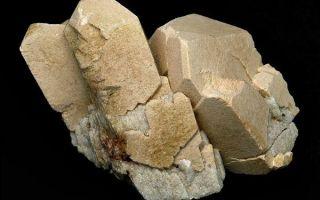 Что за минерал микроклин и где его применяют: свойства и описание