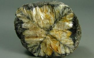 Все о камне андалузит: уникальные свойства и интересные факты