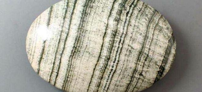 Скарн: описание и свойства камня положительной энергетики, применение