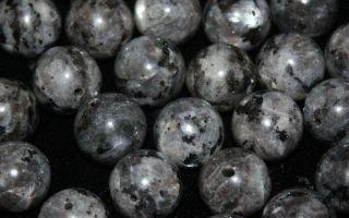 Сияющий ларвикит: описание камня меняющего оттенок и магические свойства