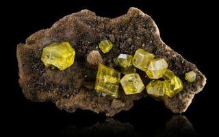 Что за минерал сера: удивительные свойства, применение и описание камня жизни