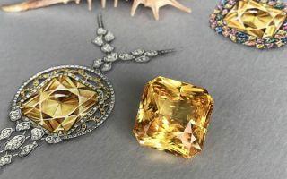 Особенности и свойства желтого сапфира: как выбрать камень и принесет ли он славу