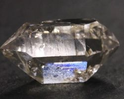 Что такое херкимерский алмаз: магические и лечебные свойства уникального горного хрусталя