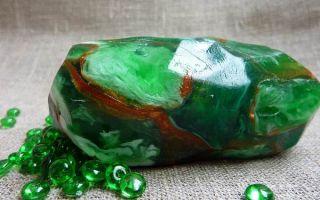 Что такое малахит и где используют камень: потрясающие свойства и значение