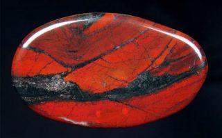 Что такое джеспилит: свойства и описание камня-компаса, применение и история