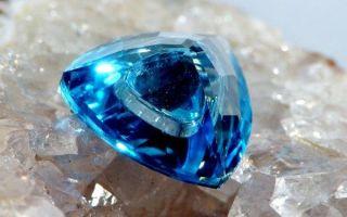 Свойства и значение голубого топаза, совместимость и подбор украшений