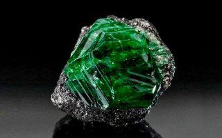 Цаворит (тсаворит): свойства и применение камня гармонии и благополучия