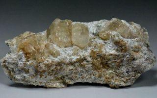 Что за минерал магнезит и кому он подходит: уникальные свойства и описание