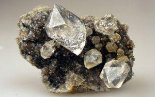 Какой камень самый крепкий и твердый в мире: обзор и интересные факты