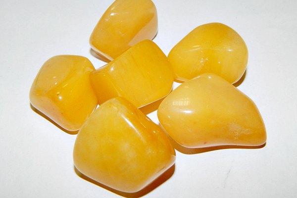Авантюрин желтый