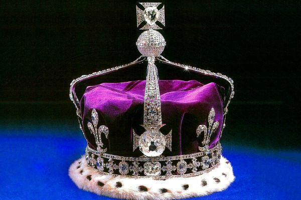 Кохинор на короне Елизаветы II