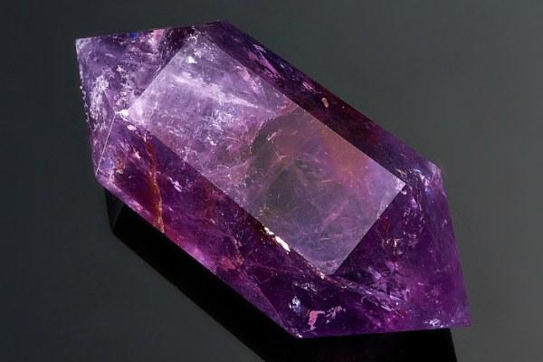 Фиолетовый аметист