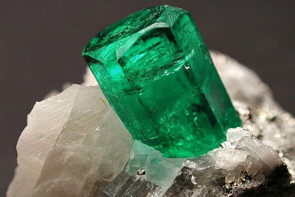 Изумруд минерал