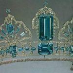 Тиара Елизаветы II с аквамарином