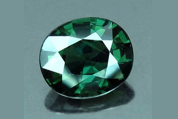 Зеленый сапфир