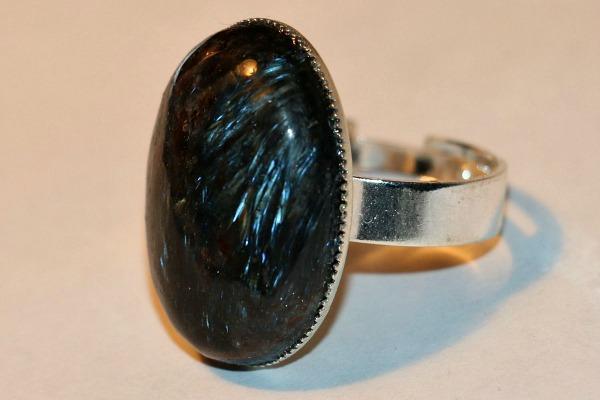Нуумит кольцо