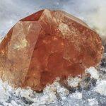 кристалл монацита
